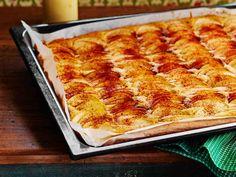 Syksyn makupari on aromikas omenapiirakka ja täyteläinen vaniljakastike. Katso herkullisen omenapiirakan ohje!