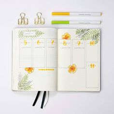 20 Weekly Bullet Journal Spreads That'll Keep You Organized – Natalie Linda Need a little inspiration for your weekly spreads? A weekly spread can do wonders for productivity and organization – get ideas from these 20 bujo spreads! Bullet Journal Spreads, Bullet Journal Planner, Bullet Journal Inspo, Bullet Journal Layout, Book Journal, Bullet Journals, Filofax, Diy Kalender, Bulletins
