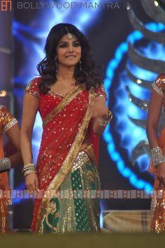 priyanka chopra umang 2013 - hair
