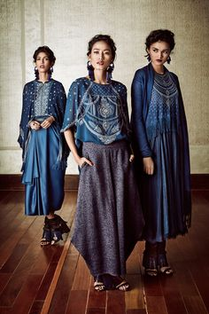 Indian Fashion Tarun Tahiliani RTW Fall/Winter 2016 Models - Smita Lasrado, Katheleno Kenze, Shweta Dolli, Preeti Dhata and Meenakshi Rathore Fashion Week 2016, Lakme Fashion Week, India Fashion, Ethnic Fashion, Asian Fashion, Boho Fashion, Fashion Outfits, Indian Fashion Modern, Indian Dresses