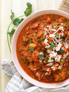 5 Minute Slow Cooker Curry (just five minutes of prep and you're done!)   GrokGrub.com