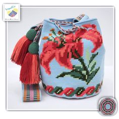 10 Likes, 1 Comments - Wayuu Bags Crochet Motifs, Filet Crochet, Diy Crochet, Crochet Crafts, Crochet Projects, Tapestry Bag, Tapestry Crochet, Crochet Handbags, Crochet Tote