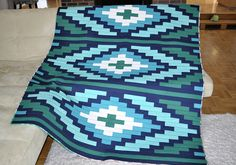 I made another Spanish Textile Quilt, this time in Aqua colours. The pattern is by J Michelle Watts.