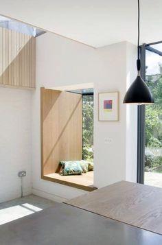 Pretty easy diy window bench just on juru solek recipes ideas Diy Bay Windows, Bow Windows, Windows Decor, Large Windows, Bay Window Exterior, Diy Exterior, Window Seat Kitchen, Interior Architecture, Interior Design