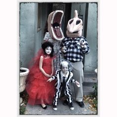 Beetlejuice family costume di Deconstructress su Etsy
