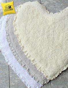 Nuovi tappeti bagno a forma di cuore by Blanc Mariclo'