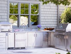 Outdoor kitchen ❤ Loved by www.stuccosurgeon.com