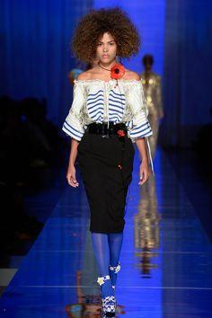 Canotiers et jeunes filles en fleur au défilé Jean Paul Gaultier Haute couture 2017