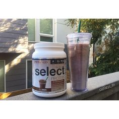 https://www.instagram.com/p/BKtFcj9AgXB/ Fasted cardio ✔️ Breakfast ✔️ Now it's off to be that #basic girl walking around the grocery store with her #coffee while I grocery shop for #mealprep 😁 #TGIF #pescience #cafeseries #mochafrappe