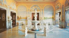 Built in our luxury palace hotel in Hyderabad is the former palace of the Nizam. Experience the signature hospitality and feel holistically rejuvenated at Taj Falaknuma Palace, Hyderabad. Hyderabad, Rajiv Gandhi International Airport, Condo Interior Design, Interior Ideas, Interior Decorating, Palace Interior, Small Condo, Heritage Hotel, Beste Hotels