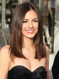 Steal the Style of Victoria Justice ...