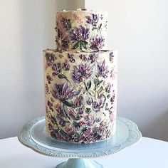 20 Gorgeous Buttercream Painted Cakes Looking for buttercream painted cake inspiration? Check out buttercream painted cake inspiration from Find Your Cake Inspiration Flores Buttercream, Buttercream Cake, Bolo Floral, Floral Cake, Pretty Wedding Cakes, Pretty Cakes, Gorgeous Cakes, Amazing Cakes, Wedding Cake Inspiration