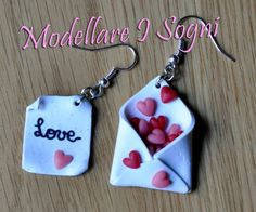 Valentine Day Love Letter Earrings - Valentine Day lettre damour boucles doreilles A lettre - Diy Fimo, Crea Fimo, Fimo Clay, Polymer Clay Charms, Polymer Clay Projects, Polymer Clay Creations, Polymer Clay Earrings, Clay Crafts, Valentines Day Love Letters