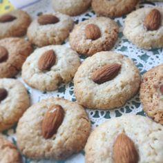 """600 Likes, 17 Comments - Comer Sano es Facil (@mamasanablog) on Instagram: """"Riquísimas galletas de almendras. Se hacen rapidísimo. En un bowl mezcla: 100 grs. de almendras…"""""""