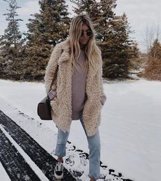 35 Best Winter Outfits To Copy Right Now; outfits for work. Source by outfits casual cold Cold Outfits, Winter Outfits For Work, Casual Winter Outfits, Trendy Outfits, Fashion Outfits, Girly Outfits, Winter Outfits Warm Layers, New York Winter Outfit, Outfits 2016