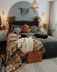 Mid Century Modern and Bohemian Bedroom. Mid century Modern and Bohemian Bedroom Photos. Turn your bedroom into a stylish and relaxing escape with design inspiration from our designers. Bohemian Bedroom Decor, Home Decor Bedroom, Bedroom Ideas, Autumn Decor Bedroom, Southwestern Bedroom Decor, Bedroom Wall, Tapestry Bedroom Boho, Wall Tapestry, Home Decor Ideas