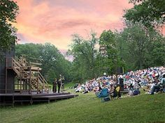 A bike ride that ends with Shakespeare in the Park! #eleanorsnyc #perfectsummerbikeride