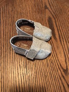 20a6f258d87 Tiny Toms Silver Glitter Baby Girl Size Condition is Pre-owned.