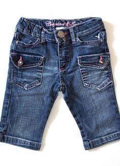 À vendre sur #vintedfrance ! http://www.vinted.fr/mode-enfants/shorts-et-pantalons/24028746-pantacourt-en-jean-fille-5-ans