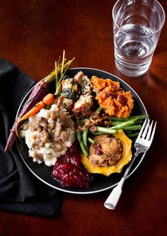 Thanksgiving dinner doesn't have to be disappointing for those going meat free. #recipes #healthy #vegetarian https://greatist.com/health/vegetarian-main-dishes-for-thanksgiving