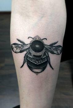 Redberry Tattoo Studio Wrocław #tattoo #inked #ink #studio #wroclaw #warszawa #tatuaz #dresden #redberry #katowice #redberrytattoostudio #amaizingtattoo #poland #berlin #eztattoo #edzlotin #zlotin #sketch #geometric #symbol bumblebee #insect #trzmiel #dots #dotwork #project #design