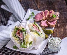 Wrap v ledovém salátu plněný panenkou   Recepty Albert Fresh Rolls, Tacos, Treats, Ethnic Recipes, Food, Sweet Like Candy, Goodies, Essen, Meals