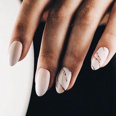 Blush marble nails