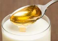 If you are suffering from insomnia you must try this mixture of milk and honey.It is the best ancient remedy for sleep, you only need to drink one cup before bed and you will fell asleep like a bab…. Insomnia Home Remedies Honey Insomnia Remedies, Sleep Remedies, Banana Cinnamon Tea, Health And Wellness, Health Tips, Health Benefits, Natural Sleeping Pills, Le Trouble, Troubles Digestifs