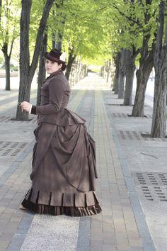 modern 1883-styled day dress, wool with velvet trims