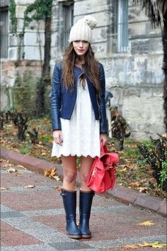 397c11a3b03 35 Amazing Dress Idea with Hunter Boots for Spring You Will Love