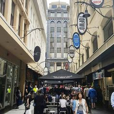Melbourne! Loving life in our chic laneways this summer!