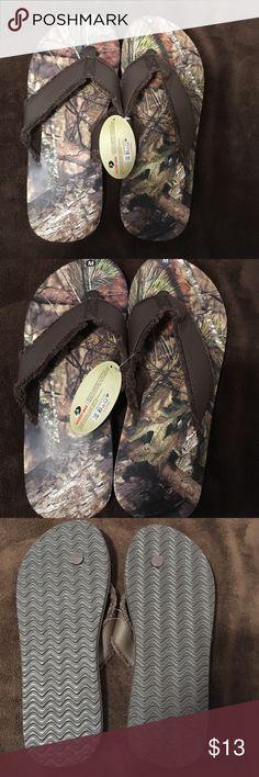 New Mossy Oak Sz M Men's Flip Flops New Mossy Oak Sz M (9/10) Men's Brown Pine Tree Camouflage Print Flip Flops..❗️Without Shoe Box❗️ mossy oak Shoes Sandals & Flip-Flops