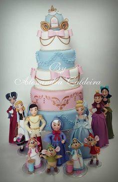 Disney Cake Design. Perfect for any birthday celebration #disneycakes