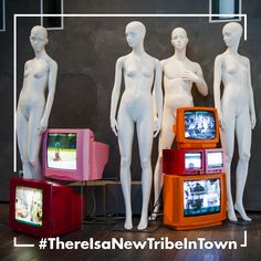 #BonaveriMilano #showroom hosts an installation dedicated to Tribe. Get copy of our new Tribe catalogue by clicking on the photo. #ThereIsaNewTribeInTown #TribeBbyBonaveri #MakeItYourTribe #catalogue #mannequin #styling #fashion #visualmerchandising #visualinspiration #bonaveri #paspoppen #paspop #paspoppen #VM #retail #windowdisplay #windowdresser #window #windows #Bonaveri #bonaverimannequins