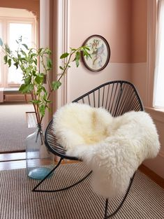 Here's how to make the bold hue feel polished, according to a designer.  #SOdomino #room #interiordesign #furniture #table #livingroom #floor #fur