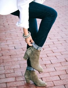 Ankle Boots Styled for Fall- got some! Love the jeans rolled