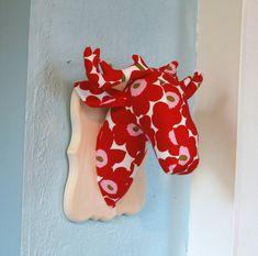 Faux taxidermie - herten hoofd Mount - Plushidermy Plaque - Marimekko, Unikko Fabric - kunst aan de muur