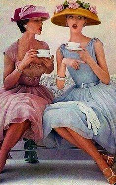 Vintage Tea time Glam via Glamour Begins At Home Moda Vintage, Vintage Mode, Vintage Ladies, Vintage Style, Vintage Inspired, Vintage Glamour, Retro Style, 50s Glamour, Vintage Friends