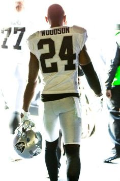 http://www.raiders.com/media-vault/photo-gallery/Game-Action-Raiders-Wrangle-Broncos-into-Defeat/1405508b-a6a5-4492-aa5a-ec3984b1a564?campaign=oak:fanshare:facebook