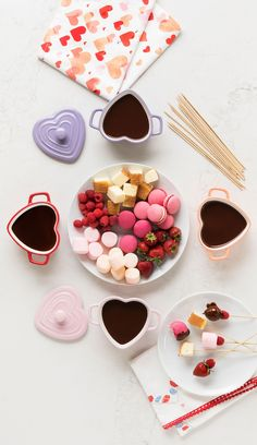 Who's up for a family fondue party to celebrate Valentine's Day? - Who's up for a family fondue party to celebrate Valentine's Day? Martha's ceramic heart-shape - Valentines Day History, Valentines Day Desserts, Valentines Day Decorations, Valentines Day Party, Valentine Drinks, Family Valentines Day, Martha Stewart, Valentine's Day Quotes, Her Wallpaper