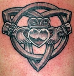 Claddagh / Celtic knot tattoo. I know I said I'm not getting another tattoo but this is tempting, if I got it I would probably add some color to the heart and make it green for the emerald isle  | followpics.co