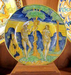 Chateau-Ecouen- Assiette Adam et Eve 1563, Padoue. Acq 1871. Cl.9156. Assiette en faïence (terre cuite, émail stannifère -émail opaque composé d'oxyde d'étain).
