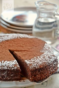 Sweet Madness: The easiest chocolate cake without eggs and butter! Sweet Light, Greek Cake, Meals Without Meat, Cooking Cake, Sweet Bakery, English Food, Happy Foods, Eat Dessert First, Vegan Cake