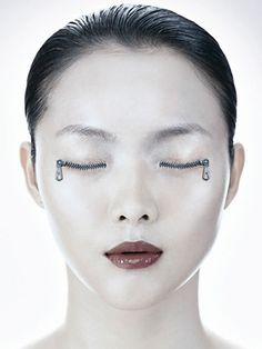 Surreal Photography – OutStanding Body Part Manipulation » Design You Trust. Design, Culture & Society.