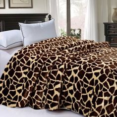 Comforters and Quilts Bedding | WebNuggetz.com Quilt Bedding, Duvet Sets, Comforters, Bedroom Decor, Throw Pillows, Quilts, Blanket, Home, Creature Comforts
