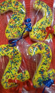Bight cookies to match Wiggles cake by Monicakes Warren, MI… 2nd Birthday Party Themes, Second Birthday Ideas, First Birthday Parties, Birthday Celebration, Wiggles Birthday, Wiggles Party, Twin Birthday, Outdoor Cake Smash, Wiggles Cake