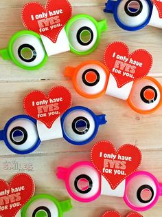 025e38ca9f Funky Glasses Valentine s Day Card with FREE Printable  amp  Cut File!