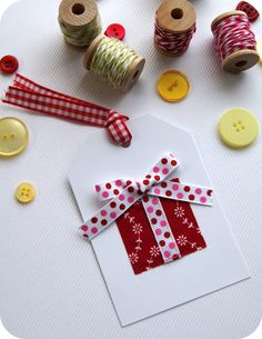 Tied with a Ribbon: Christmas Gift Tags - Tutorial for the front door Diy Christmas Tags, Holiday Gift Tags, Homemade Christmas Gifts, Christmas Gift Wrapping, Handmade Christmas, Christmas Tables, Modern Christmas, Scandinavian Christmas, Christmas Stockings