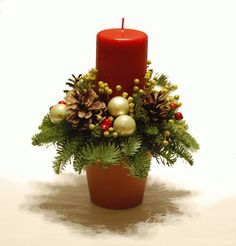 Christmas Candle Decorations, Christmas Flower Arrangements, Candle Arrangements, Christmas Swags, Xmas Wreaths, Christmas Flowers, Christmas Candles, Christmas Crafts, Festive Crafts