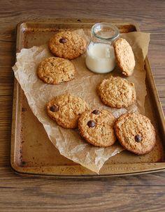 Cookies de aveia, doce de leite e gotinhas de chocolate